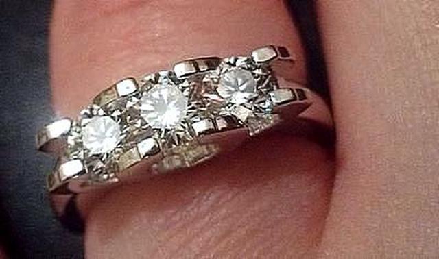 342630d505a8 Кольцо с огромными бриллиантами - 1,5 карата купить, цена  300000.00 ...
